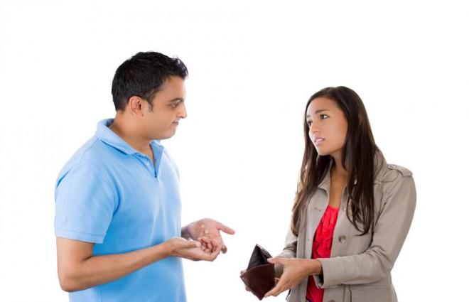5 Erros que Acabam com o seu Dinheiro Antes do Fim do Mês
