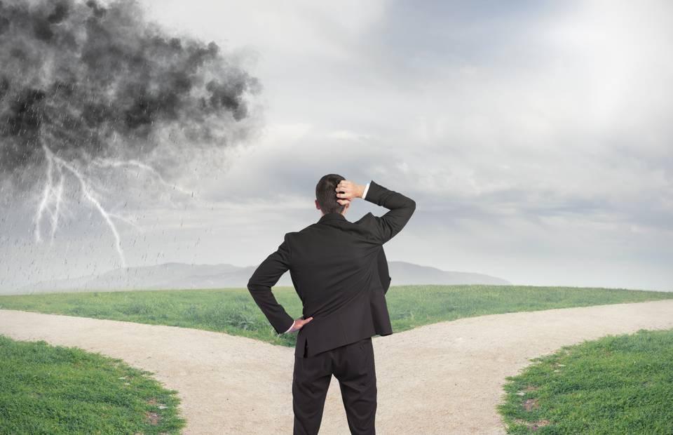 4 Decisões que impedem seu Sucesso Financeiro e como evitá-las