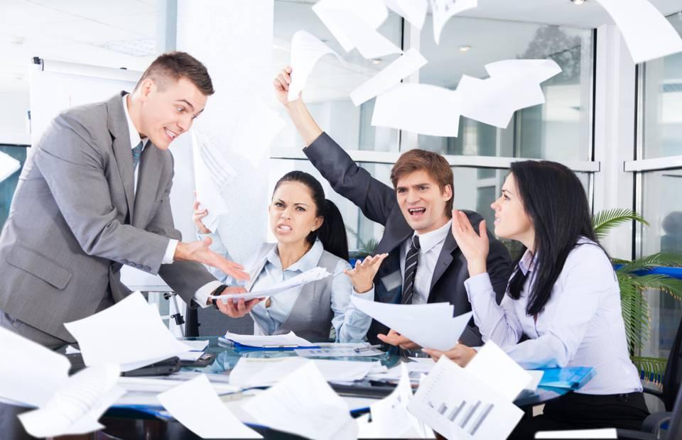 Debater com os Colegas de Trabalho? Sim! A Controvérsia Enriquece o Mundo Corporativo