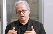 Luiz Carlos Mendonça de Barros comenta a situação econômica do Brasil