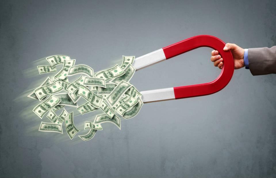 5 Dicas para aumentar sua renda e acelerar seu caminho rumo à independência financeira