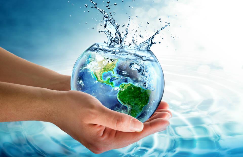Aprenda a economizar energia elétrica e água (é mais simples do que você imagina)