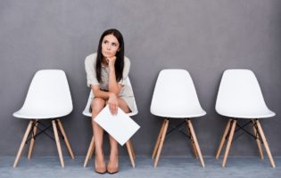 Você pode ficar sem emprego, mas não sem trabalho
