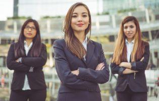 Economia, resultados e o Dia Internacional da Mulher