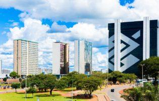 O que acontece com as ações dos 3 maiores bancos se Dilma sair?