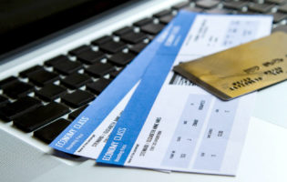 A verdade sobre viajar com milhas do cartão de crédito