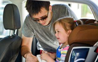 Pagar a escola do filho ou andar de carro novo?