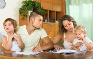 Baixar o padrão de vida é melhor que sofrer com as dívidas
