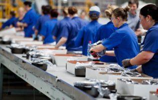 Para CNI retomada do crescimento da indústria só acontecerá em 2018