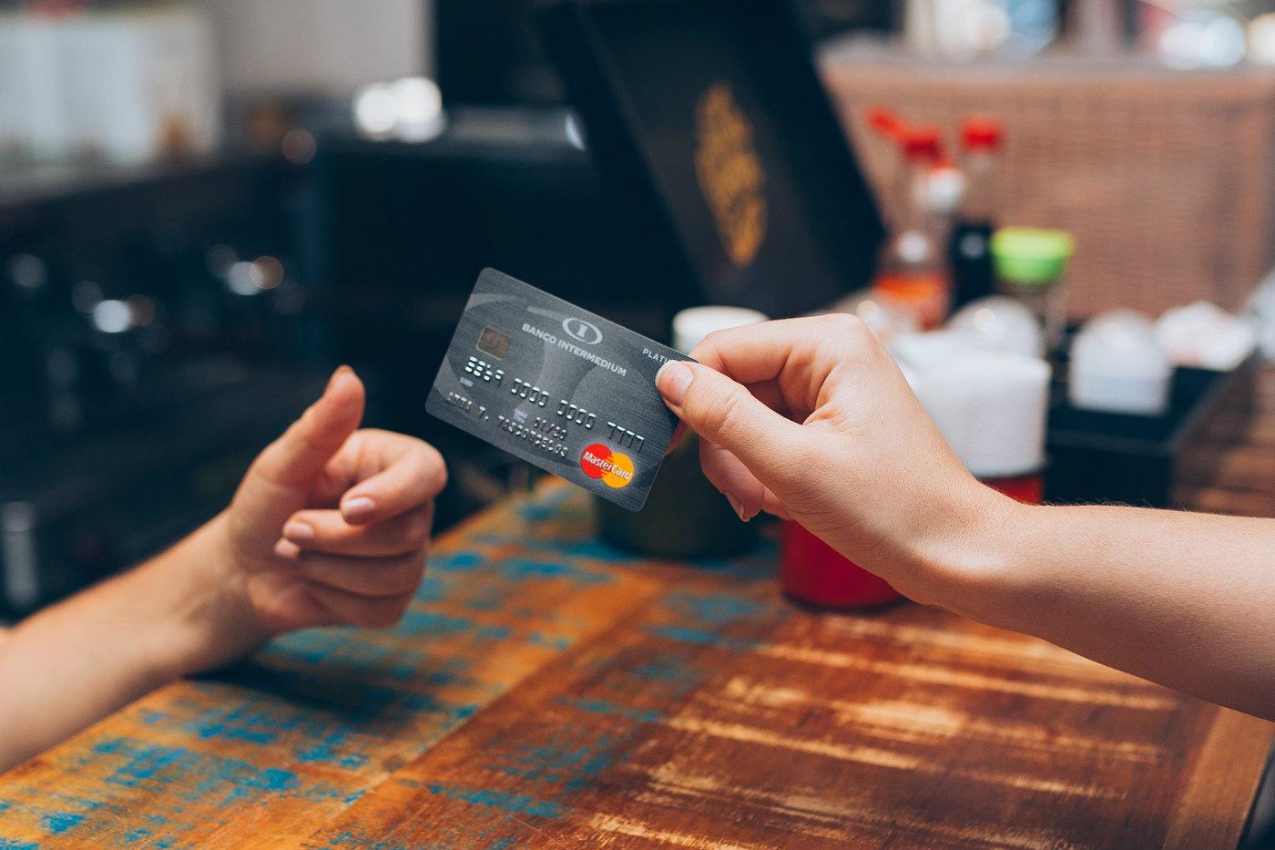 Chega de tarifas: conheça a verdadeira conta digital e economize