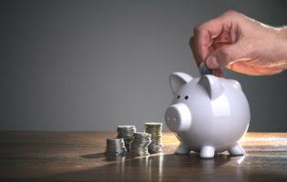 Antes de investir, você precisa aprender a poupar!