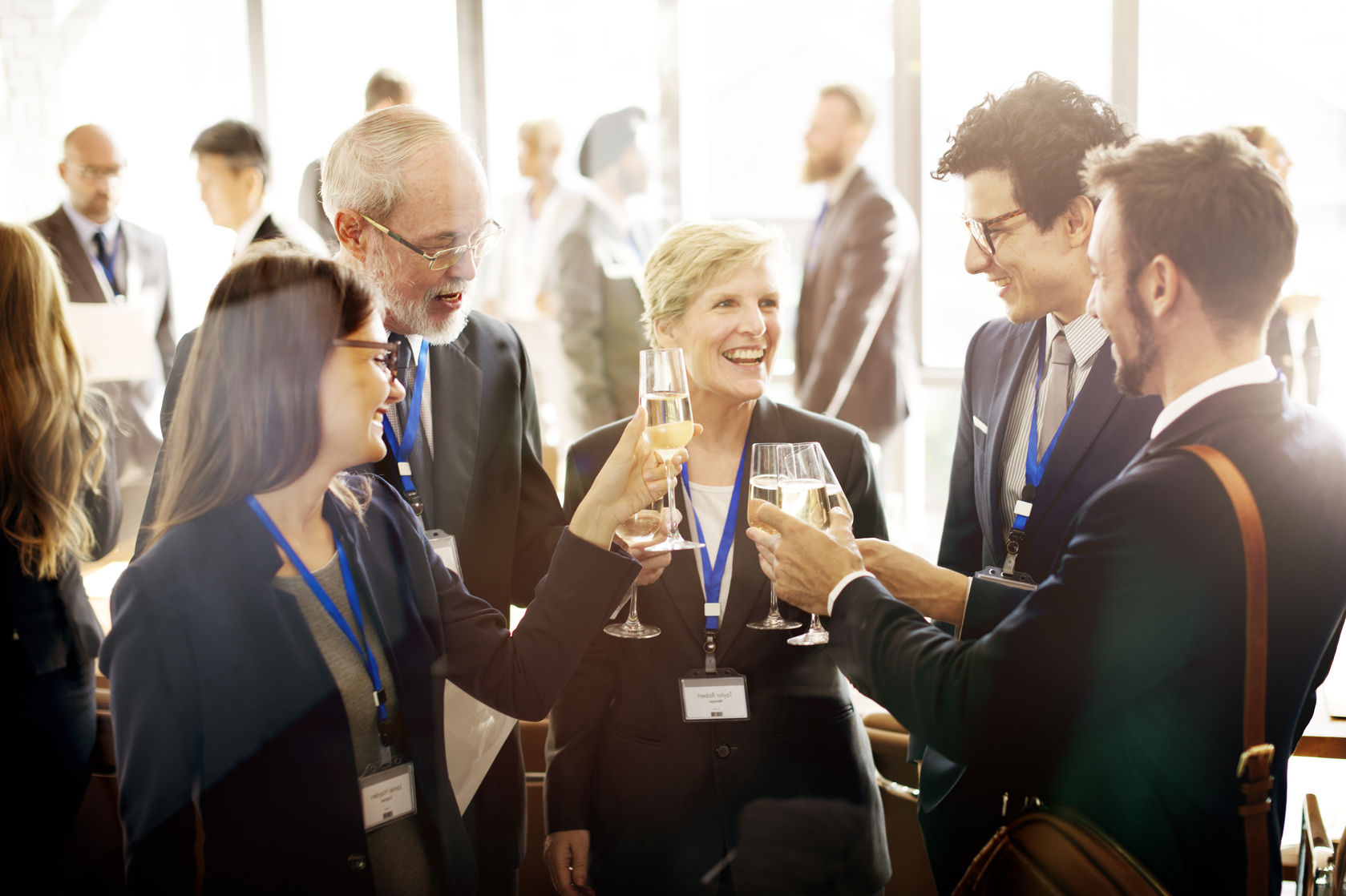 O poder do networking: seu próximo trabalho pode estar na mesa do café
