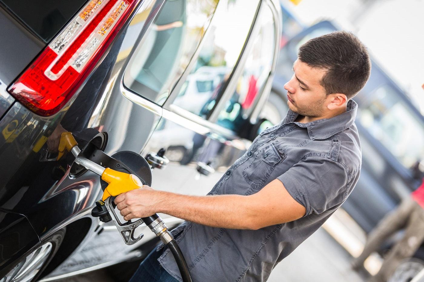 Gasolina cara? Conheça 5 dicas para economizar | Dinheirama