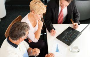 Conselhos financeiros e seu bolso: cuidado com os especialistas!
