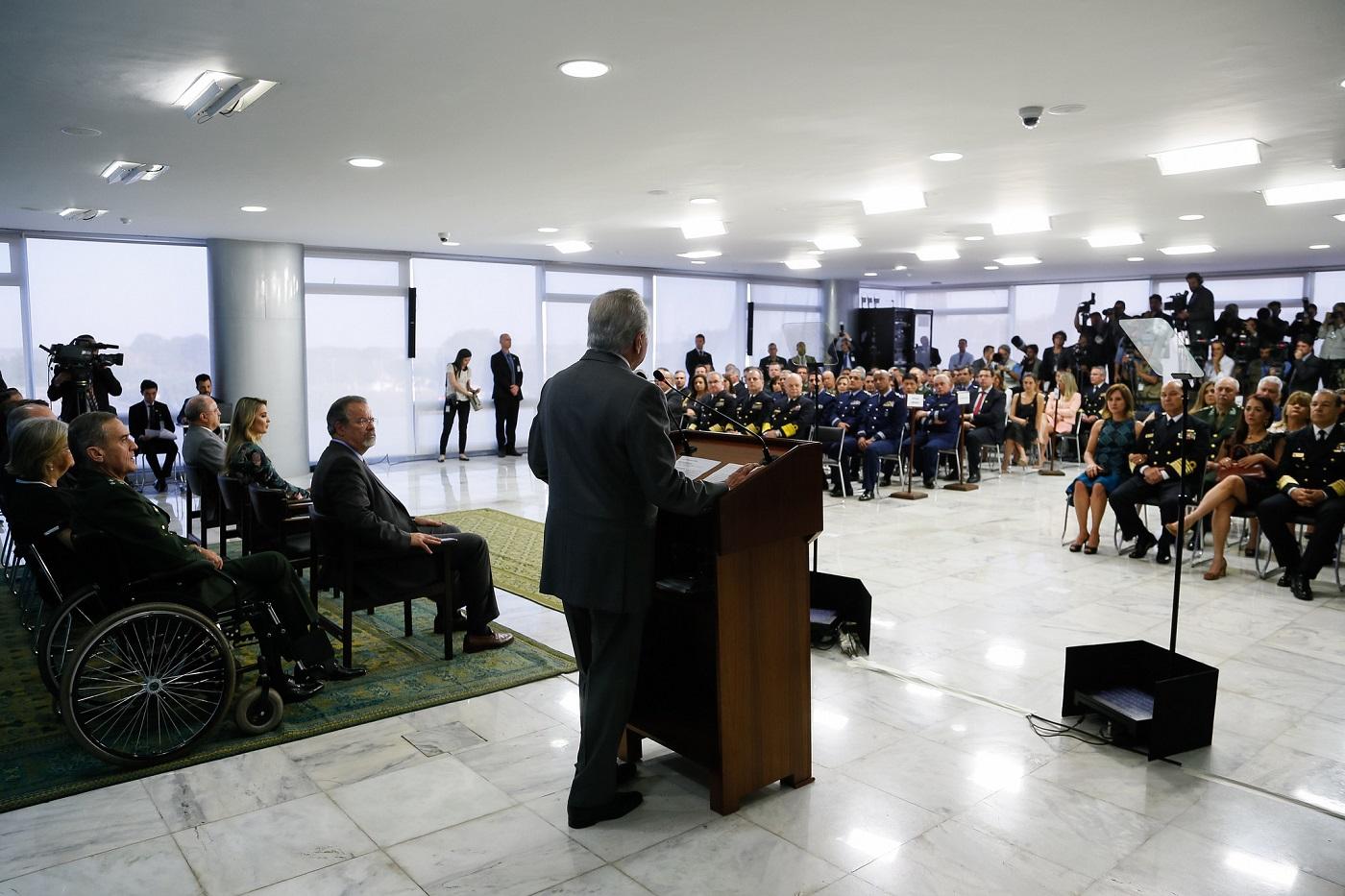 DinheiramaNews: General fala em intervenção militar