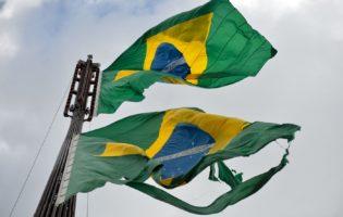 Brasil: Dois caminhos e só uma solução