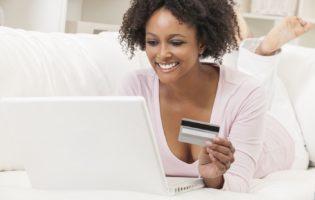 Compras online: Não esqueça de consumir com moderação