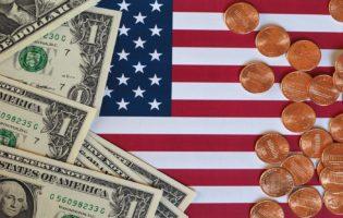 Especialistas afirmam que chegou o momento ideal para comprar dólar e conseguir ótimos retornos. Entenda mais e defina agora mesmo sua estratégia.