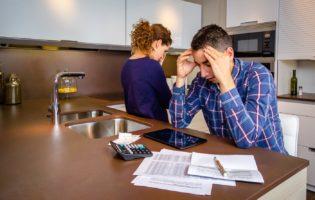 Falta dinheiro no fim do mês? Confira 3 dicas para mudar essa realidade