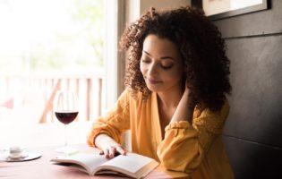 Fora Da Caixa: 5 Livros Incríveis que Mudarão Sua Forma de Ver a Vida