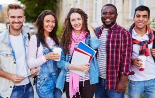Duranta a época de estudos não é fácil conseguir guardar dinheiro. Você vai descobrir que com algumas dicas simples, mesmo estudando, você vai conseguir.