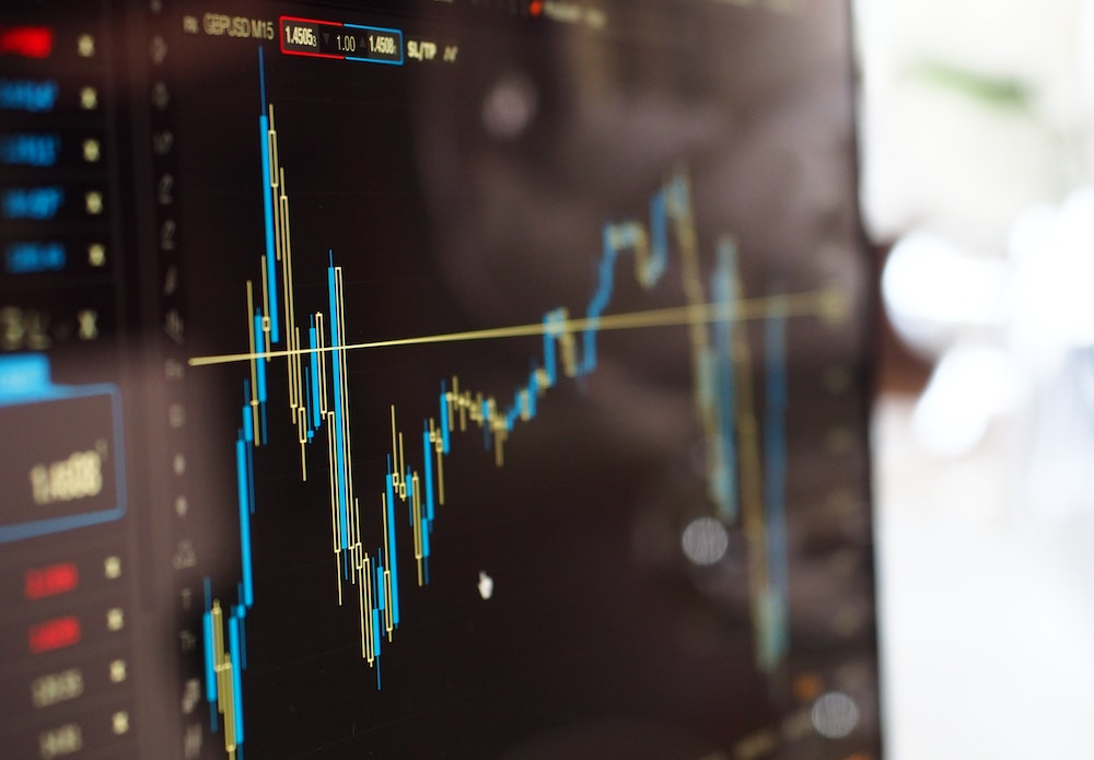 investidores na bolsa de valores - terminal e mercado de ações