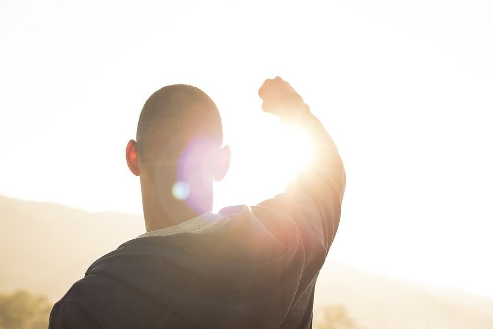 5 hábitos para economizar e se tornar uma pessoa melhor
